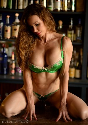 Fahra outcall escort in Scottsburg Indiana