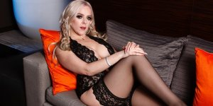 Sarah-marie adult dating & milf outcall escorts